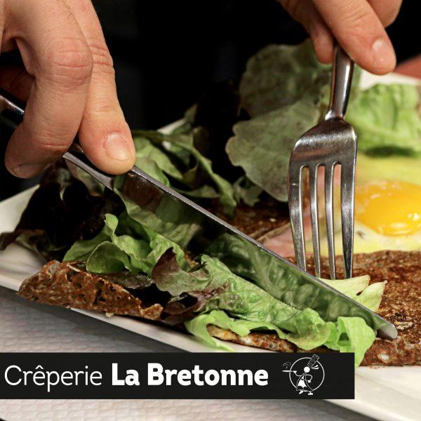 Galette avec salade Crêperie La-Bretonne.com